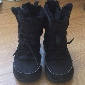 Toddler Girl Nike sneaker boots